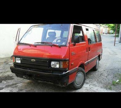 Красный Форд Эконован, объемом двигателя 1.4 л и пробегом 100 тыс. км за 1400 $, фото 1 на Automoto.ua