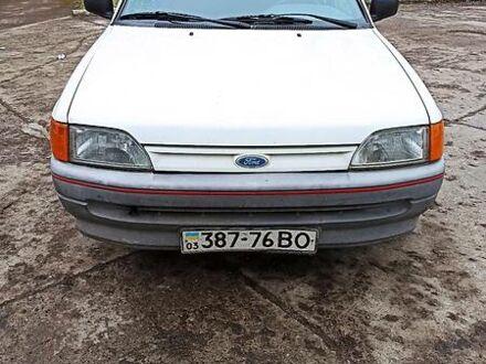 Білий Форд Ескорт, об'ємом двигуна 0 л та пробігом 300 тис. км за 1450 $, фото 1 на Automoto.ua