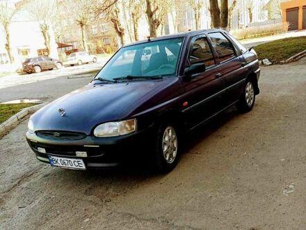 Фиолетовый Форд Эскорт, объемом двигателя 1.3 л и пробегом 90 тыс. км за 2200 $, фото 1 на Automoto.ua