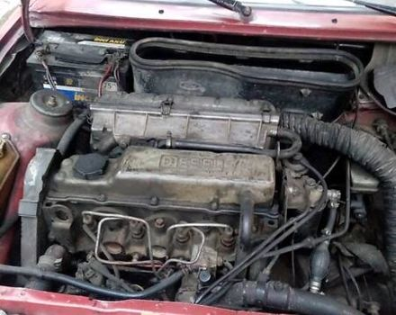 Красный Форд Эскорт, объемом двигателя 1.6 л и пробегом 260 тыс. км за 2000 $, фото 1 на Automoto.ua
