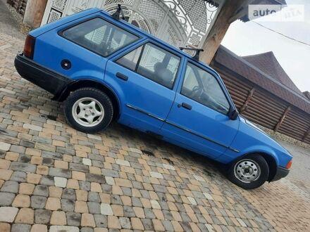 Синий Форд Эскорт, объемом двигателя 1.4 л и пробегом 111 тыс. км за 1250 $, фото 1 на Automoto.ua