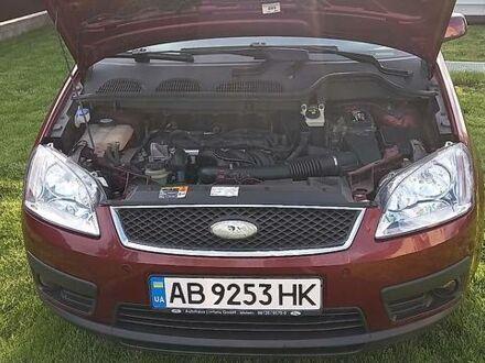 Красный Форд Focus C-Max, объемом двигателя 1.6 л и пробегом 200 тыс. км за 5500 $, фото 1 на Automoto.ua