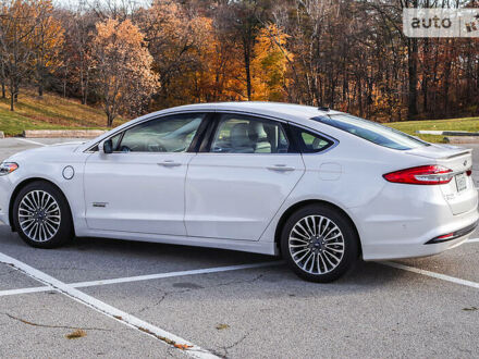 Білий Форд Фьюжен, об'ємом двигуна 2 л та пробігом 89 тис. км за 24990 $, фото 1 на Automoto.ua