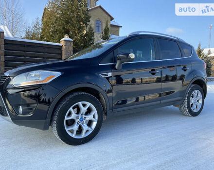 Черный Форд Куга, объемом двигателя 2 л и пробегом 224 тыс. км за 10900 $, фото 1 на Automoto.ua
