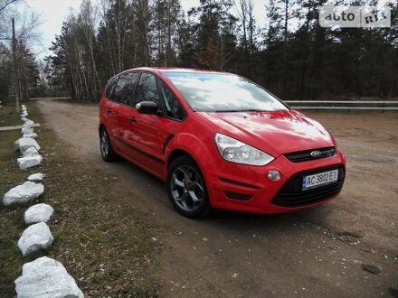 Красный Форд С-Макс, объемом двигателя 2 л и пробегом 250 тыс. км за 8790 $, фото 1 на Automoto.ua