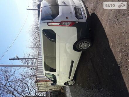 Білий Форд Transit Custom пасс., об'ємом двигуна 0 л та пробігом 179 тис. км за 17800 $, фото 1 на Automoto.ua