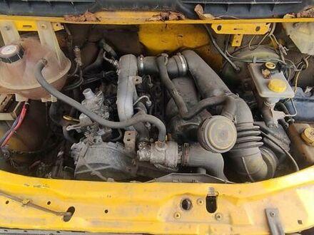Желтый Форд Transit груз.-пасс., объемом двигателя 2.5 л и пробегом 534 тыс. км за 4100 $, фото 1 на Automoto.ua