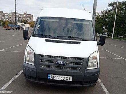 Білий Форд Транзит пас., об'ємом двигуна 2.2 л та пробігом 233 тис. км за 10500 $, фото 1 на Automoto.ua