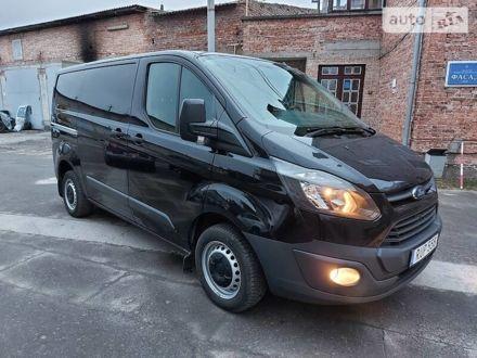 Черный Форд Transit Custom груз., объемом двигателя 2.2 л и пробегом 180 тыс. км за 14350 $, фото 1 на Automoto.ua
