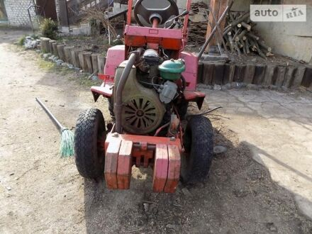 Красный ХТЗ 12, объемом двигателя 1.2 л и пробегом 1 тыс. км за 1300 $, фото 1 на Automoto.ua