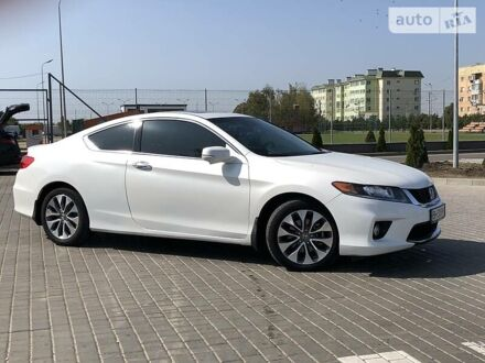 Білий Хонда Аккорд, об'ємом двигуна 2.4 л та пробігом 70 тис. км за 14500 $, фото 1 на Automoto.ua