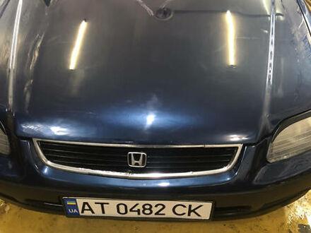Синий Хонда Цивик, объемом двигателя 1.5 л и пробегом 300 тыс. км за 2200 $, фото 1 на Automoto.ua