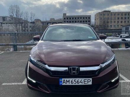 Красный Хонда Клерити, объемом двигателя 1.5 л и пробегом 32 тыс. км за 22600 $, фото 1 на Automoto.ua