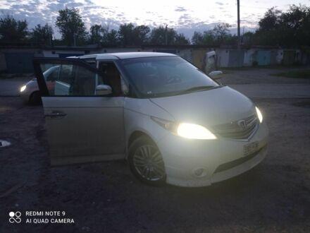 Білий Хонда Елізіон, об'ємом двигуна 2.4 л та пробігом 150 тис. км за 8000 $, фото 1 на Automoto.ua