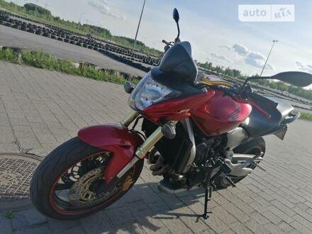 Красный Хонда Hornet 600, объемом двигателя 0.6 л и пробегом 39 тыс. км за 5000 $, фото 1 на Automoto.ua