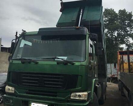 Зеленый Хово Самосвал, объемом двигателя 10.9 л и пробегом 300 тыс. км за 28000 $, фото 1 на Automoto.ua