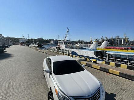 Белый Хендай Азера, объемом двигателя 3.3 л и пробегом 86 тыс. км за 14900 $, фото 1 на Automoto.ua