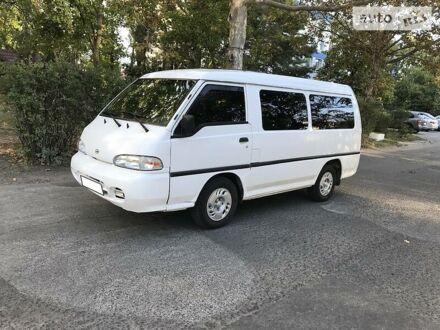 Білий Хендай Н 100 пас, об'ємом двигуна 2.5 л та пробігом 180 тис. км за 5300 $, фото 1 на Automoto.ua