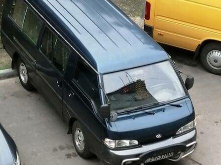 Синий Хендай Н 100 пасс, объемом двигателя 2.5 л и пробегом 200 тыс. км за 3300 $, фото 1 на Automoto.ua