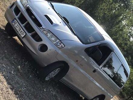 Серый Хендай Н 200 пасс., объемом двигателя 2.5 л и пробегом 303 тыс. км за 6400 $, фото 1 на Automoto.ua