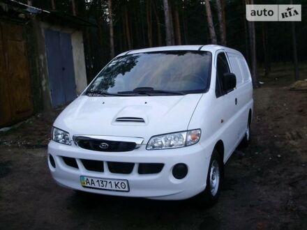 Білий Хендай Н1 вант., об'ємом двигуна 2.5 л та пробігом 190 тис. км за 4300 $, фото 1 на Automoto.ua