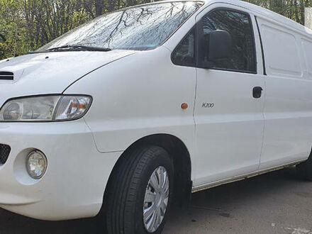 Білий Хендай Н1 вант., об'ємом двигуна 2.5 л та пробігом 256 тис. км за 5400 $, фото 1 на Automoto.ua