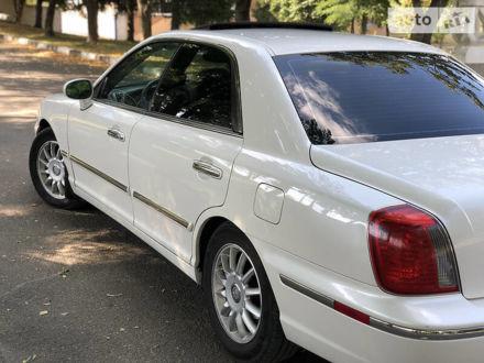 Белый Хендай КСГ, объемом двигателя 3.5 л и пробегом 140 тыс. км за 8900 $, фото 1 на Automoto.ua