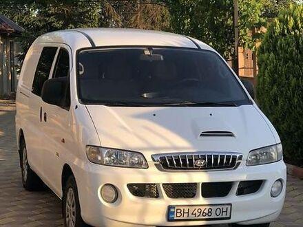 Білий Хендай H 200 груз.-пасс., об'ємом двигуна 2.5 л та пробігом 255 тис. км за 5999 $, фото 1 на Automoto.ua