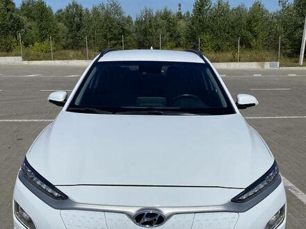 Белый Хендай Kona Electric, объемом двигателя 0 л и пробегом 74 тыс. км за 29000 $, фото 1 на Automoto.ua