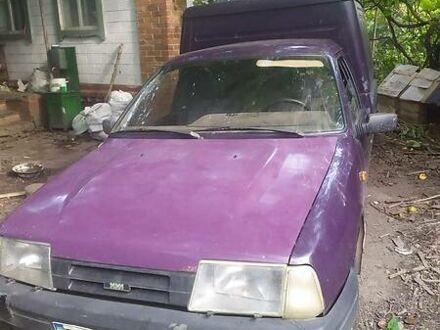 Фіолетовий ІЖ 2717 (Ода), об'ємом двигуна 1.6 л та пробігом 200 тис. км за 2000 $, фото 1 на Automoto.ua