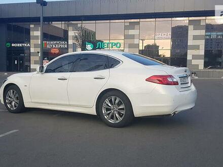 Белый Инфинити М, объемом двигателя 2.5 л и пробегом 154 тыс. км за 15100 $, фото 1 на Automoto.ua