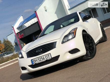 Белый Инфинити Q60, объемом двигателя 3.7 л и пробегом 45 тыс. км за 10950 $, фото 1 на Automoto.ua