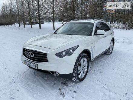 Белый Инфинити QX70, объемом двигателя 3 л и пробегом 86 тыс. км за 24600 $, фото 1 на Automoto.ua
