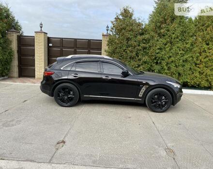 Черный Инфинити QX70, объемом двигателя 3.7 л и пробегом 100 тыс. км за 31000 $, фото 1 на Automoto.ua