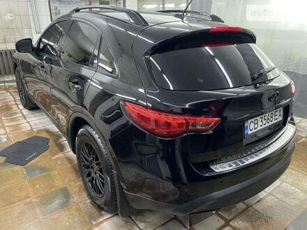 Черный Инфинити QX70, объемом двигателя 3.7 л и пробегом 100 тыс. км за 25000 $, фото 1 на Automoto.ua
