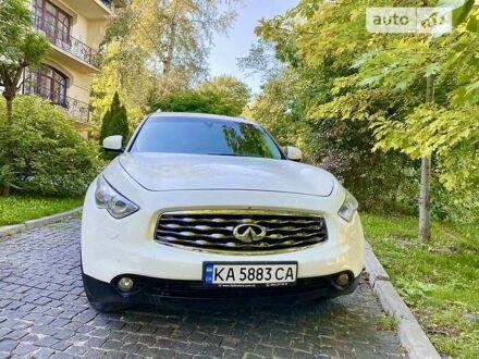 Білий Інфініті FX 30, об'ємом двигуна 3 л та пробігом 180 тис. км за 22500 $, фото 1 на Automoto.ua