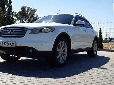 Белый Инфинити FX 45, объемом двигателя 4.5 л и пробегом 250 тыс. км за 9899 $, фото 1 на Automoto.ua