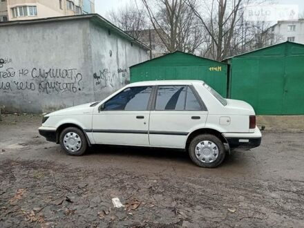 Белый Исузу Джемини, объемом двигателя 0 л и пробегом 150 тыс. км за 1198 $, фото 1 на Automoto.ua