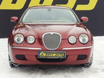 Красный Ягуар С-Тайп, объемом двигателя 3 л и пробегом 93 тыс. км за 9500 $, фото 1 на Automoto.ua