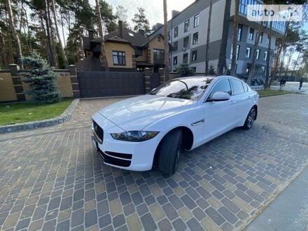Білий Ягуар XE, об'ємом двигуна 3 л та пробігом 51 тис. км за 28900 $, фото 1 на Automoto.ua