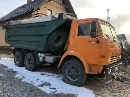 Оранжевый КамАЗ 5511, объемом двигателя 11 л и пробегом 100 тыс. км за 8200 $, фото 1 на Automoto.ua