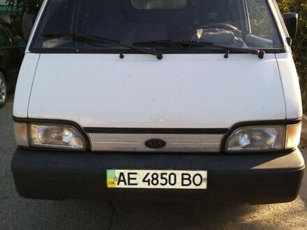 Белый Киа Беста, объемом двигателя 2.2 л и пробегом 160 тыс. км за 3200 $, фото 1 на Automoto.ua