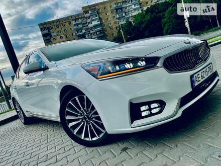 Білий Кіа Каденза, об'ємом двигуна 3.3 л та пробігом 65 тис. км за 24500 $, фото 1 на Automoto.ua