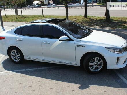 Белый Киа K5, объемом двигателя 2 л и пробегом 172 тыс. км за 15700 $, фото 1 на Automoto.ua