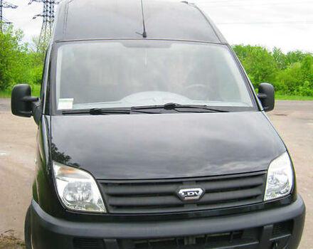 Черный ЛДВ Максус, объемом двигателя 2.5 л и пробегом 225 тыс. км за 8000 $, фото 1 на Automoto.ua