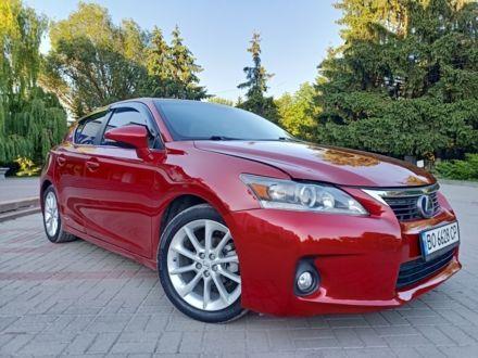 Червоний Лексус СТ, об'ємом двигуна 1.8 л та пробігом 160 тис. км за 11400 $, фото 1 на Automoto.ua