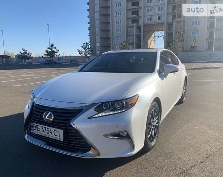 Белый Лексус ES 250, объемом двигателя 2.5 л и пробегом 34 тыс. км за 36900 $, фото 1 на Automoto.ua