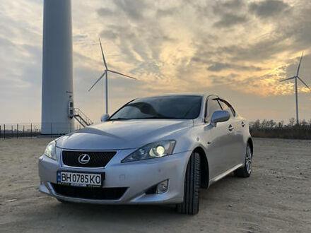Сірий Лексус IS 220, об'ємом двигуна 2.2 л та пробігом 208 тис. км за 9900 $, фото 1 на Automoto.ua