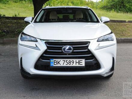 Белый Лексус NX 300, объемом двигателя 2.5 л и пробегом 243 тыс. км за 29890 $, фото 1 на Automoto.ua