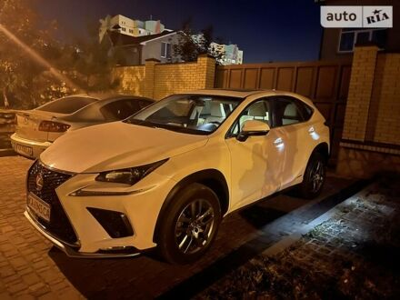Білий Лексус NX 300h, об'ємом двигуна 2.5 л та пробігом 55 тис. км за 28900 $, фото 1 на Automoto.ua